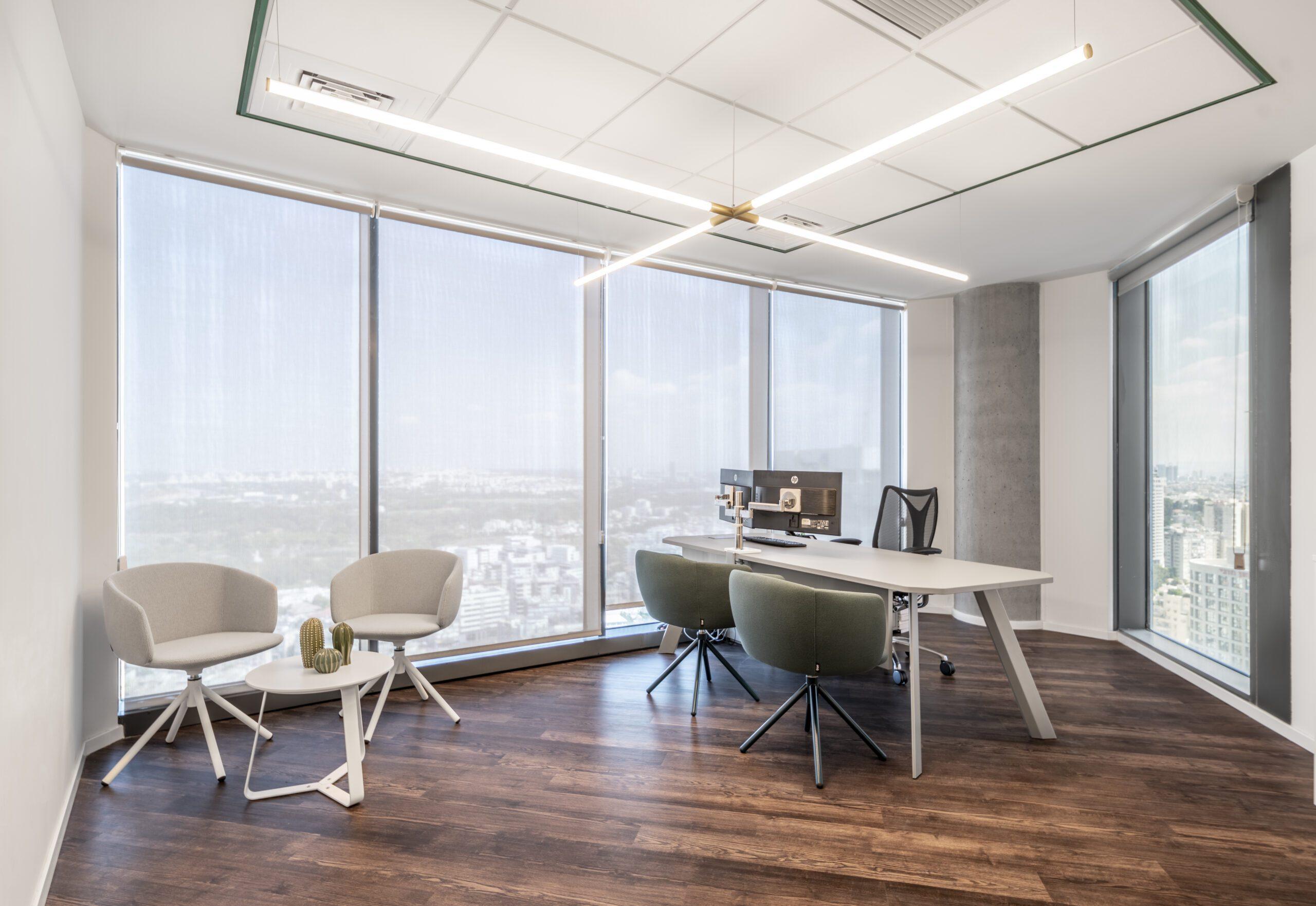 שולחן ECO MANAGER , כסא NOT MINI , שולחן קפה MIX , זרוע למסך M2.1