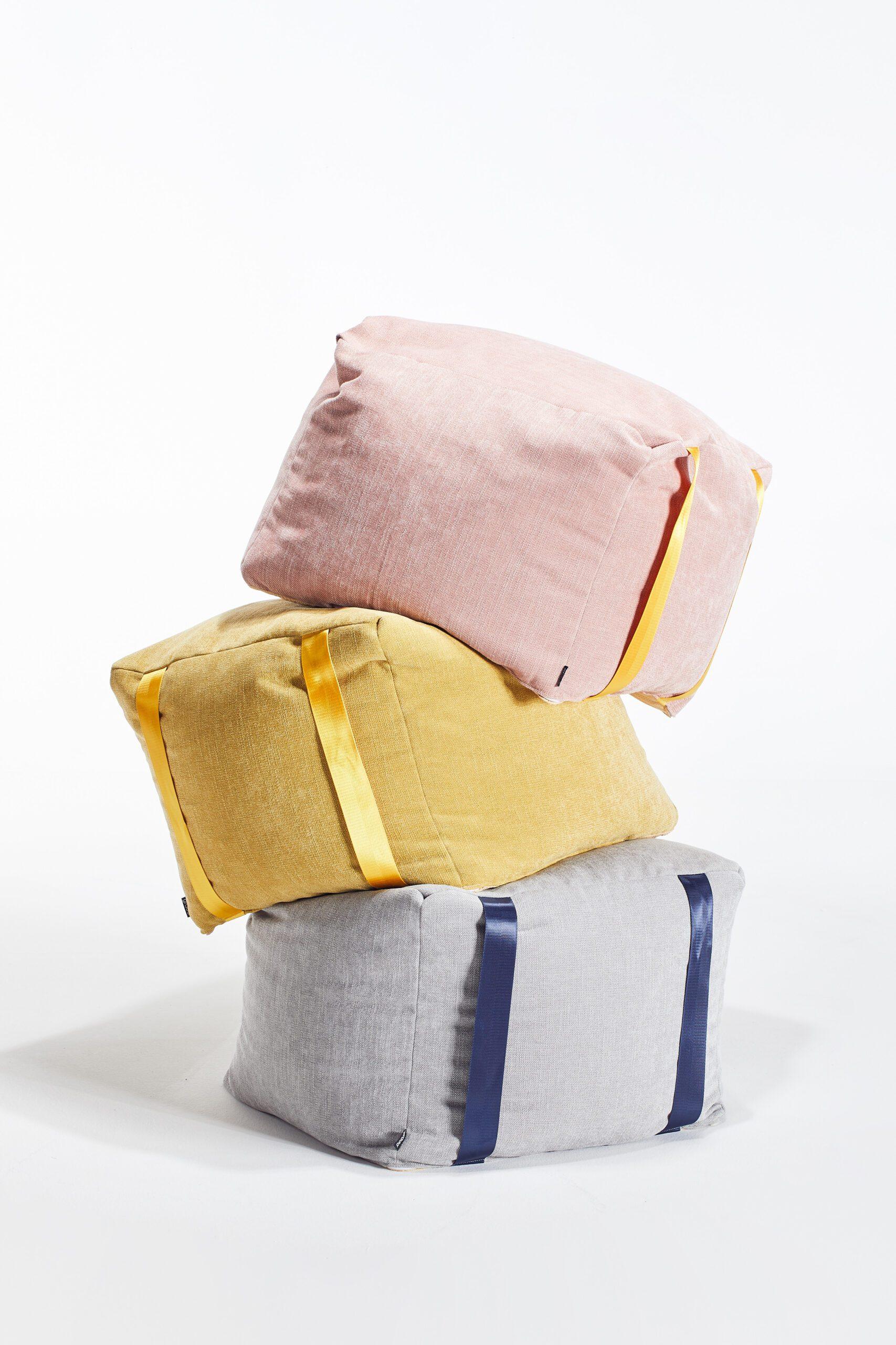Sandbag pouf